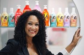 Leila-Velez-e-produtos-do-Beleza-Natural
